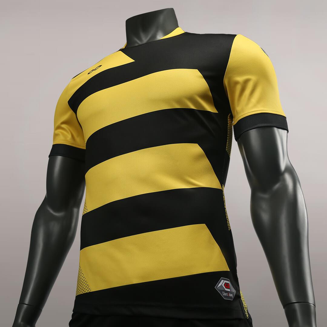 狂野出发之狂蜂骇浪比赛服左侧面细节